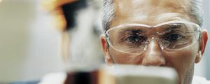 Mettre en oeuvre vos réactions chimiques en toute sécurité avec DEKRA Process Safety