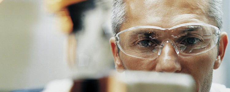 Évaluation expérimentale des dangers et réactions chimiques - DEKRA Process Safety