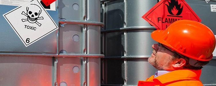 Test et classification pour le transport de matières dangereuses selon l'ONU - DEKRA Process Safety